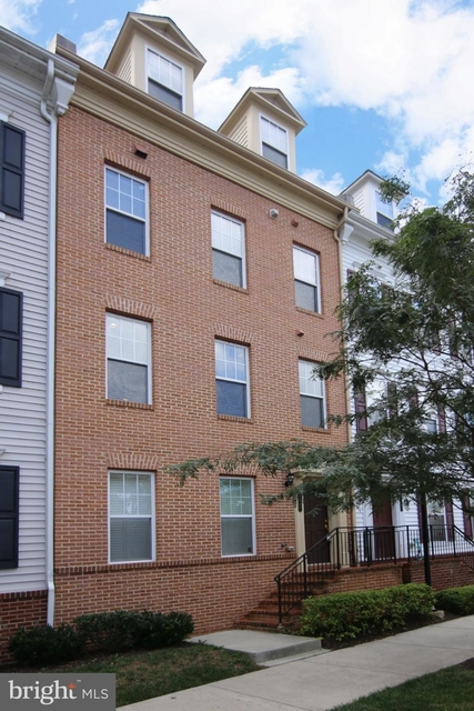 3 Bedrooms, The Portal Apartments Rental in Washington, DC for $2,950 - Photo 1