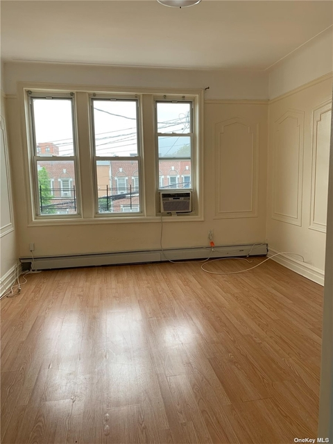 4 Bedrooms, Gravesend Rental in NYC for $2,950 - Photo 1