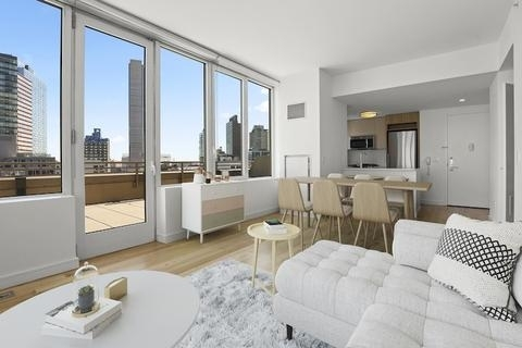 2 Bedrooms, Hunters Point Rental in NYC for $6,418 - Photo 1