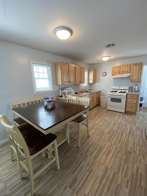 3 Bedrooms, Point Pleasant Beach Rental in North Jersey Shore, NJ for $2,300 - Photo 1