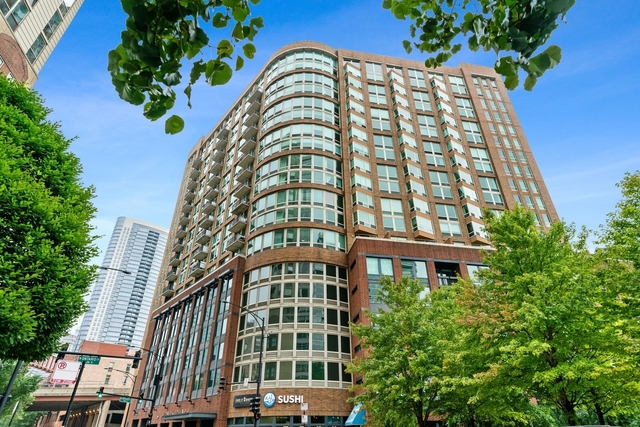2 Bedrooms, River North Rental in Chicago, IL for $3,200 - Photo 1