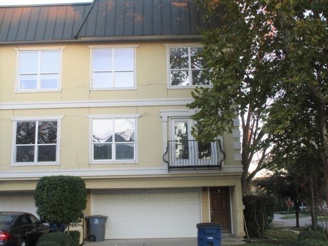 2 Bedrooms, Central Dallas Rental in Dallas for $1,895 - Photo 1
