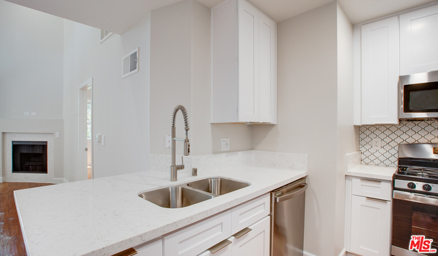 2 Bedrooms, South Robertson Rental in Los Angeles, CA for $4,180 - Photo 1