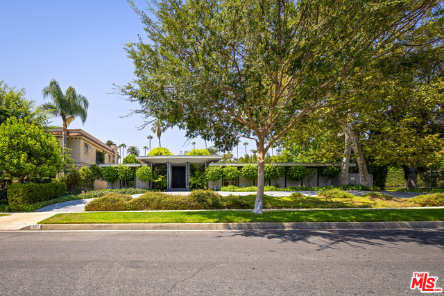3 Bedrooms, Beverly Hills Rental in Los Angeles, CA for $14,995 - Photo 1