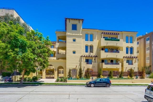 3 Bedrooms, West Los Angeles Rental in Los Angeles, CA for $4,600 - Photo 1
