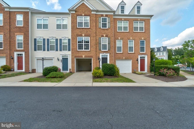 4 Bedrooms, Potomac Club Condominiums Rental in Washington, DC for $2,650 - Photo 1
