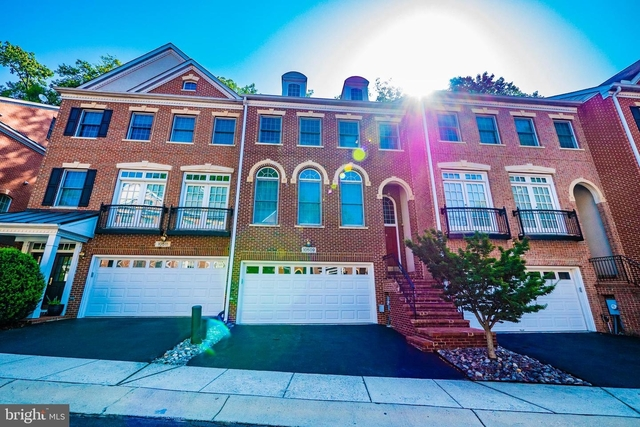 5 Bedrooms, North Bethesda Rental in Washington, DC for $5,000 - Photo 1