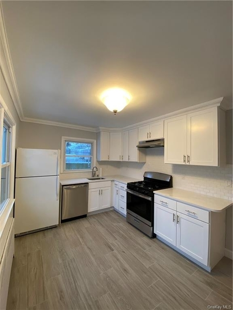 3 Bedrooms, Mamaroneck Rental in Long Island, NY for $2,950 - Photo 1