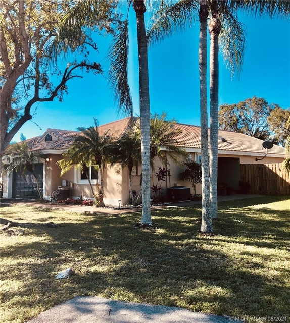 3 Bedrooms, Waterford Rental in Miami, FL for $3,250 - Photo 1