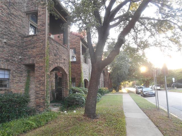 2 Bedrooms, University Park Rental in Dallas for $2,250 - Photo 1
