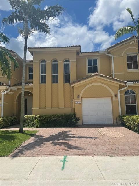 3 Bedrooms, Century Breeze Rental in Miami, FL for $2,499 - Photo 1