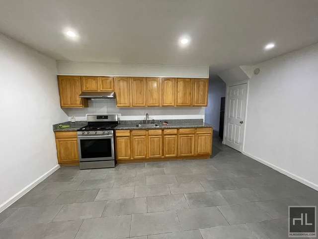 3 Bedrooms, Gravesend Rental in NYC for $2,200 - Photo 1