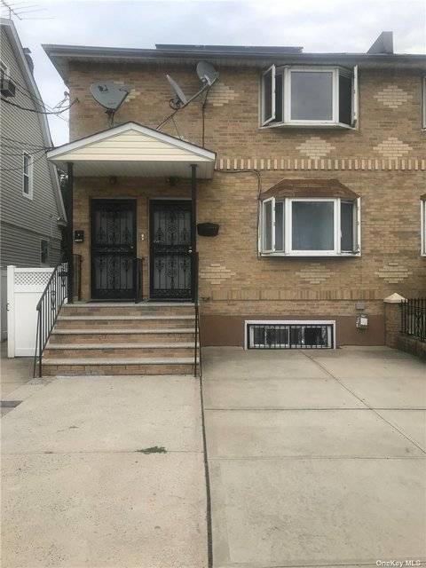 3 Bedrooms, St. Albans Rental in Long Island, NY for $2,800 - Photo 1