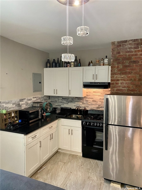 1 Bedroom, West End Rental in Long Island, NY for $1,875 - Photo 1
