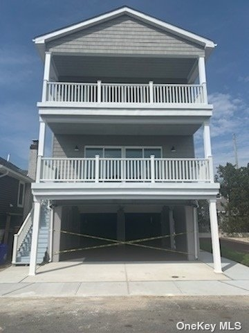 3 Bedrooms, West End Rental in Long Island, NY for $4,500 - Photo 1