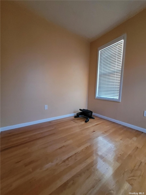 2 Bedrooms, Ozone Park Rental in NYC for $2,100 - Photo 1