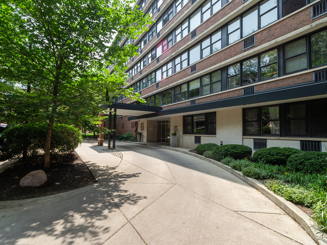 2 Bedrooms, Lincoln Park Rental in Chicago, IL for $2,495 - Photo 1
