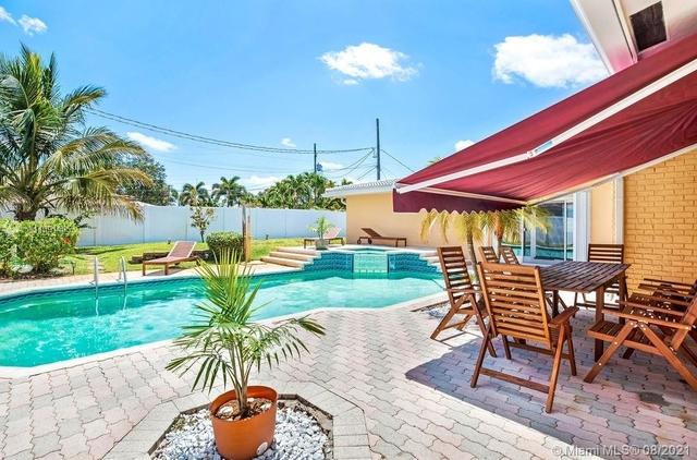 4 Bedrooms, Coral Ridge Isles Rental in Miami, FL for $10,000 - Photo 1