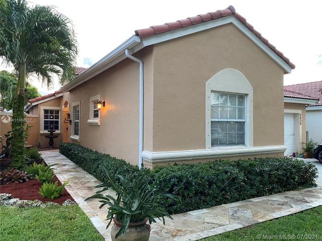 3 Bedrooms, Huntington Rental in Miami, FL for $3,000 - Photo 1