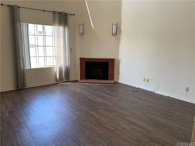 2 Bedrooms, South Robertson Rental in Los Angeles, CA for $2,900 - Photo 1