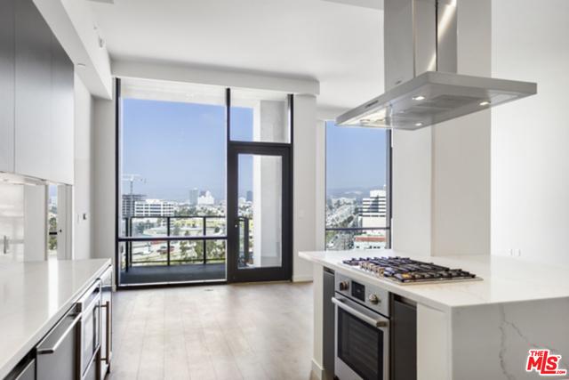 2 Bedrooms, Rancho Park Rental in Los Angeles, CA for $8,862 - Photo 1