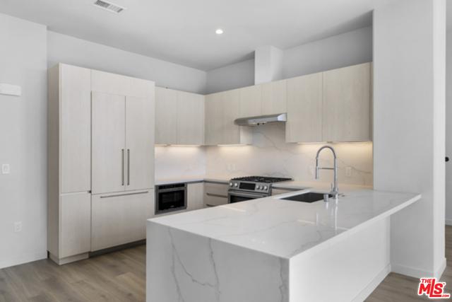 2 Bedrooms, Rancho Park Rental in Los Angeles, CA for $7,960 - Photo 1