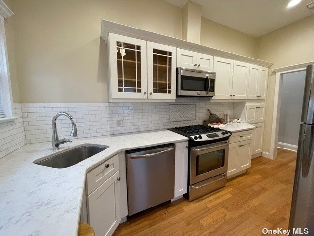 2 Bedrooms, Oyster Bay Rental in Long Island, NY for $2,950 - Photo 1