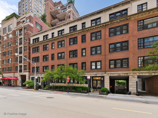 3 Bedrooms, Gold Coast Rental in Chicago, IL for $6,800 - Photo 1