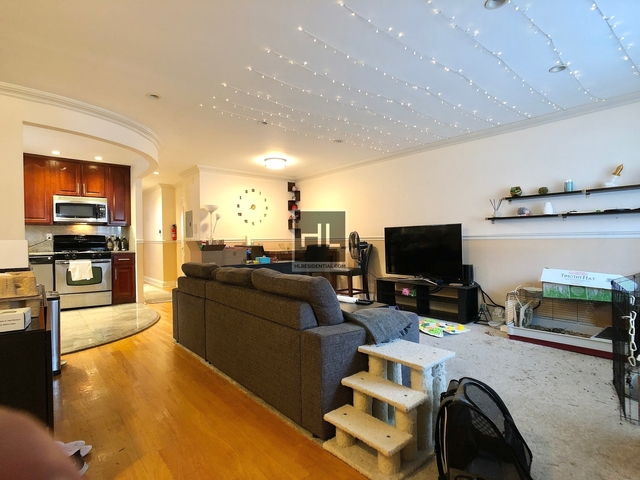 3 Bedrooms, Gravesend Rental in NYC for $2,800 - Photo 1