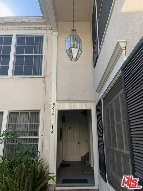 1 Bedroom, Beverly Hills Rental in Los Angeles, CA for $2,650 - Photo 1