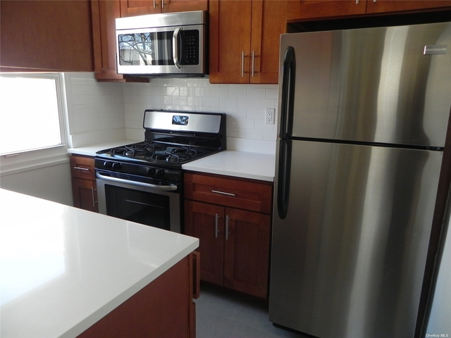 1 Bedroom, Great Neck Plaza Rental in Long Island, NY for $1,995 - Photo 1