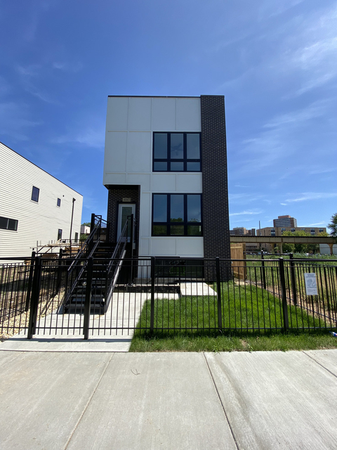 2 Bedrooms, Grand Boulevard Rental in Chicago, IL for $2,100 - Photo 1