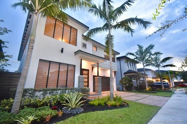 5 Bedrooms, Miami Lakes Rental in Miami, FL for $7,500 - Photo 1