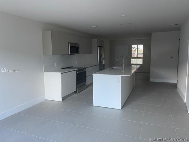 3 Bedrooms, Ojus Rental in Miami, FL for $2,950 - Photo 1