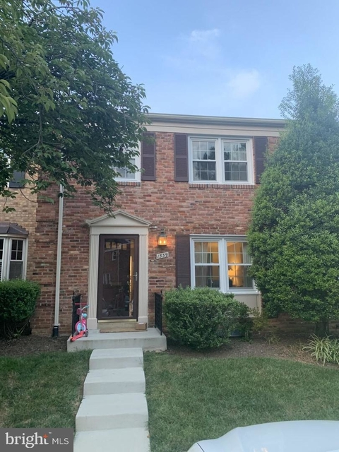3 Bedrooms, McLean Rental in Washington, DC for $3,550 - Photo 1