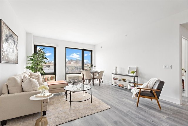 3 Bedrooms, Historic Downtown Rental in NYC for $4,523 - Photo 1