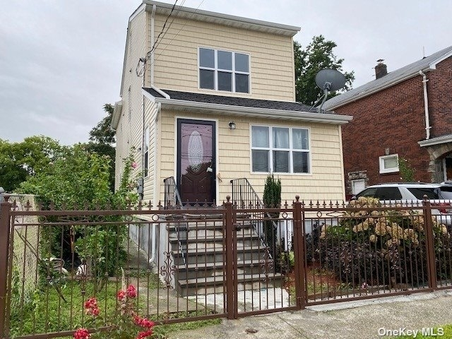 3 Bedrooms, South Jamaica Rental in NYC for $2,500 - Photo 1