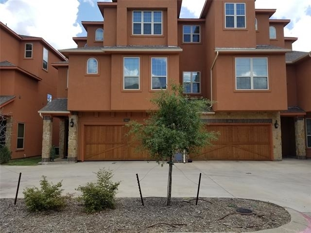 3 Bedrooms, Lakeshore Village Rental in Dallas for $2,695 - Photo 1