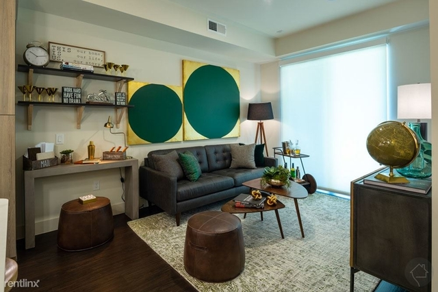 2 Bedrooms, Midtown Rental in Houston for $2,342 - Photo 1