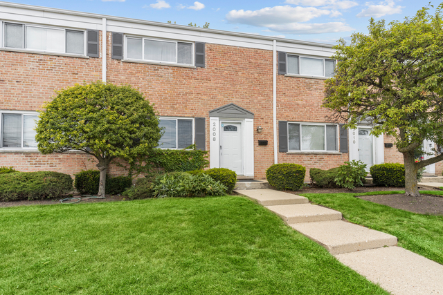 3 Bedrooms, Northfield Rental in Chicago, IL for $2,300 - Photo 1
