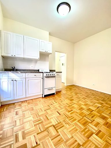 2 Bedrooms, Upper East Side Rental in NYC for $2,429 - Photo 1