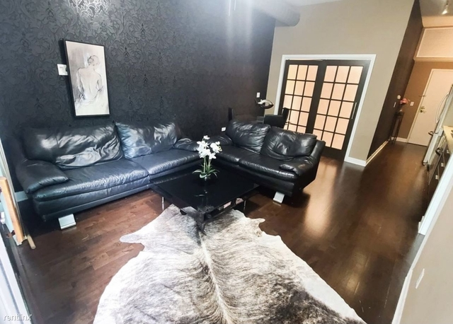 2 Bedrooms, Oakland Rental in Chicago, IL for $2,200 - Photo 1