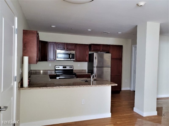 2 Bedrooms, South Braintree Rental in Boston, MA for $2,150 - Photo 1