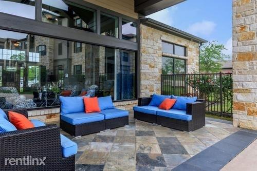 2 Bedrooms, Montgomery Rental in Houston for $1,280 - Photo 1