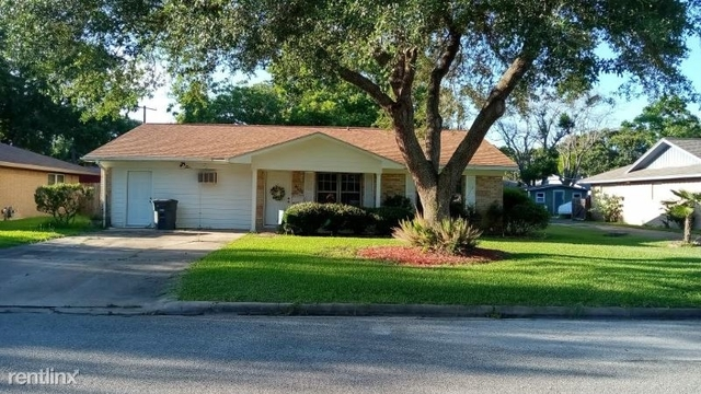 3 Bedrooms, Bay City Rental in Bay City, TX for $1,675 - Photo 1