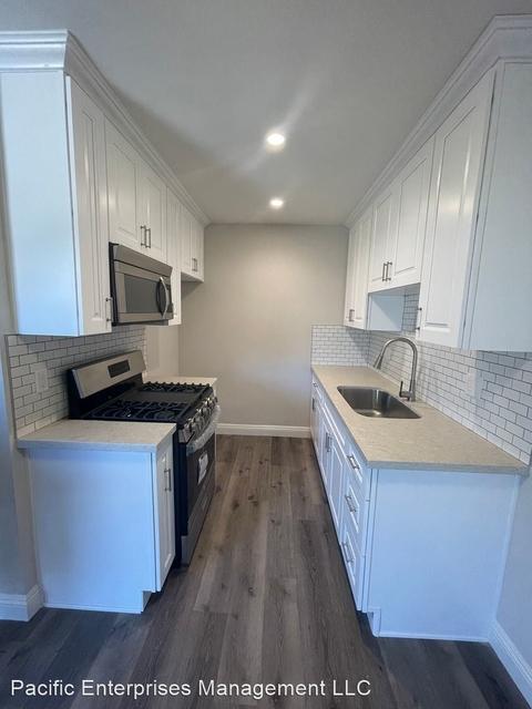 2 Bedrooms, University Park Rental in Los Angeles, CA for $2,195 - Photo 1