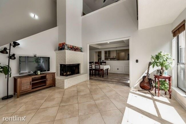 3 Bedrooms, Addison Place Rental in Dallas for $2,500 - Photo 1