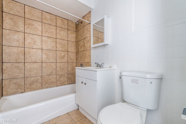 2 Bedrooms, Calumet Park Rental in Chicago, IL for $1,005 - Photo 1
