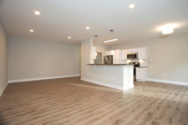 3 Bedrooms, Radnor Rental in Lower Merion, PA for $3,200 - Photo 1