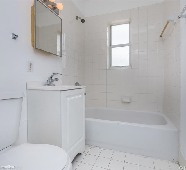 4 Bedrooms, Larchmont Gardens Rental in Miami, FL for $2,400 - Photo 1